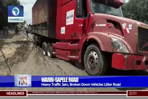 Heavy Traffic Jam, Broken Down Vehicles Litter Warri Sapele Road