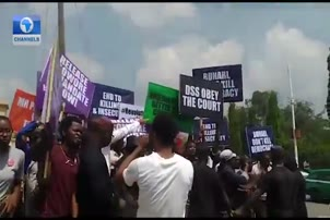 Protesters Storm DSS Headquarters, Demands Sowore's Release