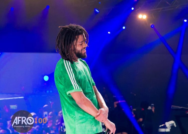 JCole In Lagos, Nigeria| Fan Jumps On Stage