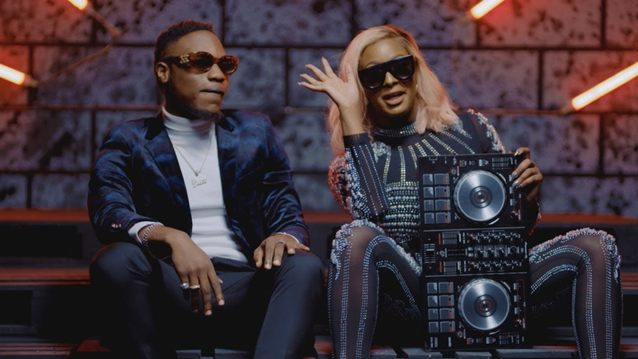 Cuppy ft. L.A.X - Currency